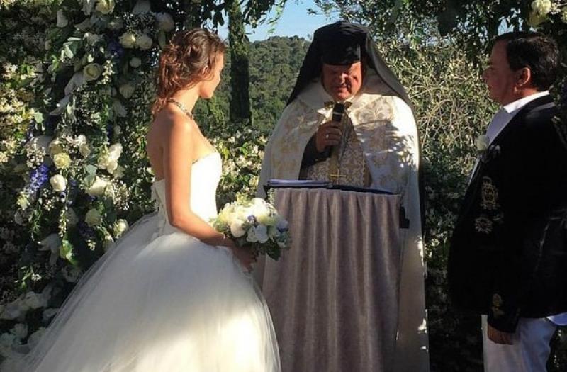 ლუკოილის 55 წლის ტოპ-მენეჯერი 18 წლის გოგონაზე დაქორწინდა